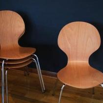 (4) Modern C&B bent ply chairs Photo