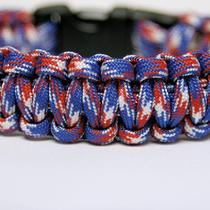 550 Paracord Survival Bracelet Cobra - Usa Camo Photo