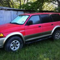 98 Mitsubishi Montero sport Photo