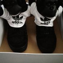Adidas gorilla Jeremy Scott  Photo