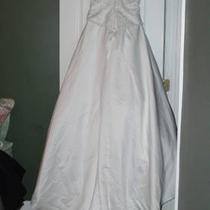Beautiful Wedding Dress Photo
