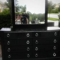 BLACK BEDROOM SET 7 PIECES Photo