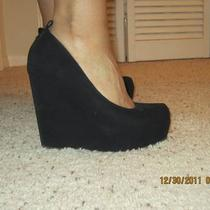 Black Wedges Photo