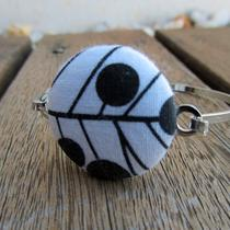 Black / White Fabric Button Bracelet Photo
