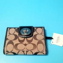 Coach khaki wallet NWT Photo