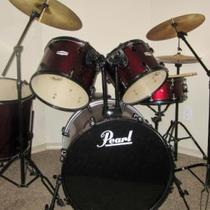 Excellent Pearl Forum Drum Set Barely Used. Red Wine Color Photo