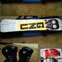 Great condition snowboard gear Photo
