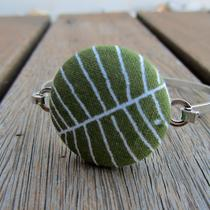 Green / White Fabric Button Bracelet Photo