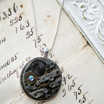 Half Price Sale Steampunk Antique Pocket Watch Parts Necklace Vintage Silver Movement Crystal 7 Jewels Photo