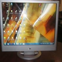 "HP Pavilion VS19B 19"" LCD Monitor Photo"