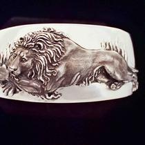 Lion Cuff Bracelet Photo