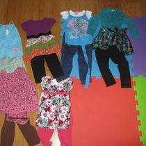 Lot of 2t Girls Clothes Photo