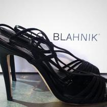 MANOLO BLAHNIK BLACK STAPPY HEELS NEVER WORN SZ 38.5 ORG $825 TO DIE FOR Photo