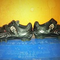 MTB Pedals and Shoes Photo