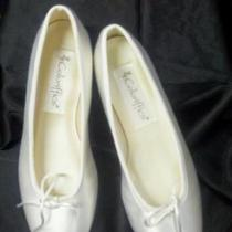 New Dyeable White Satin Slipper Sz 5 Photo