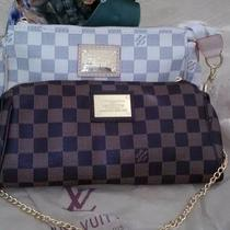 New Louis Vuitton Handbag Purse. Photo