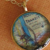 New York Fly - Artisan Necklace Photo