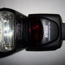 NIKON SPEEDLIGHT SB-700 PROFESSIONAL FLASH SLIGHTLY USED Photo