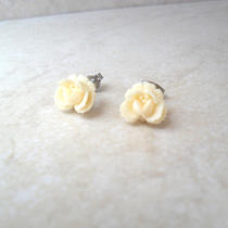 Rosalie Earrings in Ivory Photo
