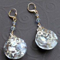 Round Facted Crystal Earrings (Gold Tone) Photo