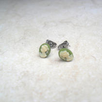 Sale Cameo Lady Earrings Green and Ivory 50 Percent Off Photo