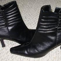 Size 8 women&amp039s Heel Boots Photo