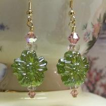 Spring Green Pressed Glass Flower Earrings Photo