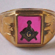 Vintage Masonic Blue Lodge men&amp039s Ring 10kt Gold  Photo