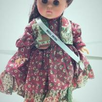 Vogue ginny doll, Miss 1970's W/stand Photo