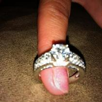 Women's custom diamond engagement ring Photo